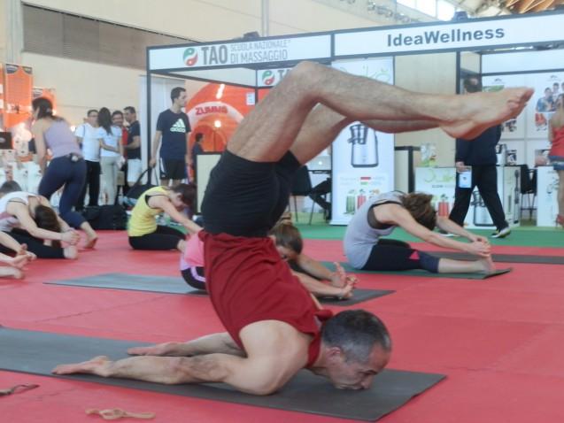 Classi di Ashtanga yoga e workshop con Sandro Brancaleoni